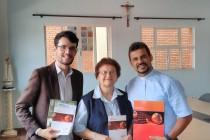 Diretora do SEPAC/Paulinas, Ir. Helena Corazza, fsp visita a cúria diocesana
