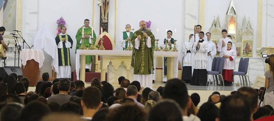 Dom José celebra missa de abertura do Hashirim 2017