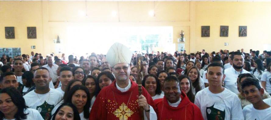 Bispo diocesano celebra o Crisma no setor Interlagos