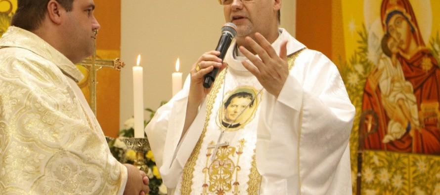 Bispo diocesano realiza Visita Pastoral à Paróquia São João Bosco