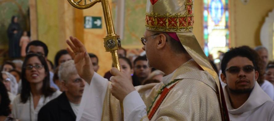 Bispo diocesano celebra o domingo de Páscoa na Catedral