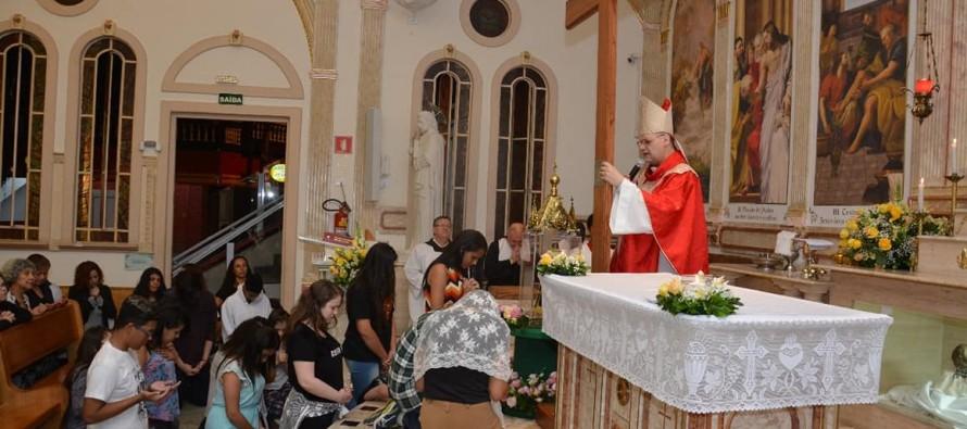 Paróquia São Pedro Apóstolo: Peregrinação da Cruz e da imagem de N. Sra. Aparecida