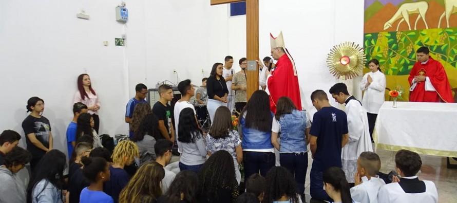 Paróquia Bom Jesus: Peregrinação da Cruz e da imagem de N. Sra. Aparecida