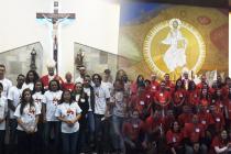 Jovens são crismados em duas paróquias do setor Veleiros