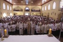 Bispo celebra missa com os Ministros Extraordinários da Comunhão Eucarística