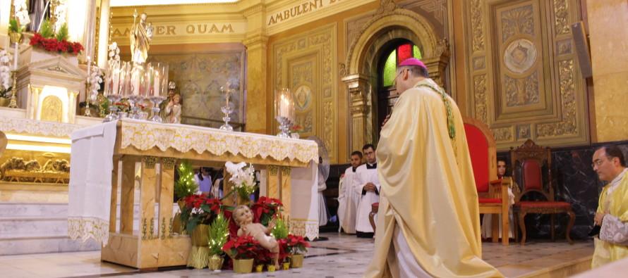 Bispo celebra missa da noite de Natal na Catedral de Santo Amaro, Abade