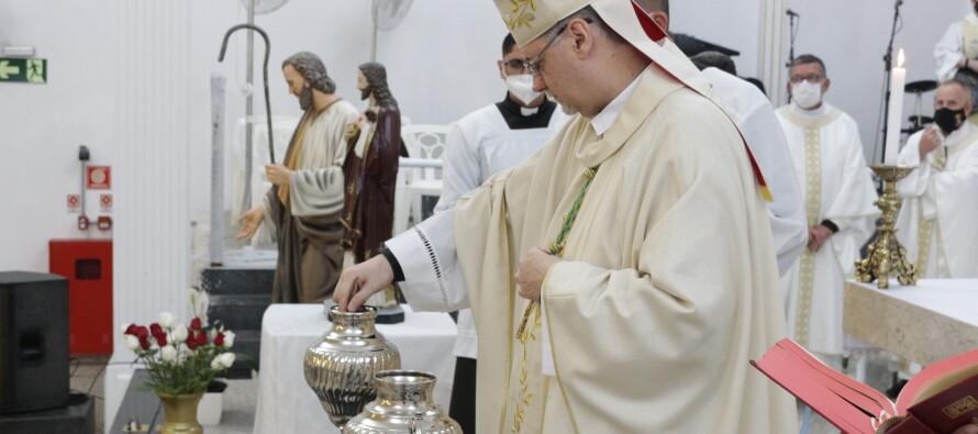 Rito de Santificação do Clero e Celebração dos Santos Óleos sem fiéis