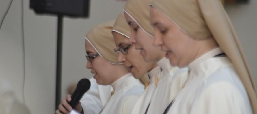 Votos Perpétuos – Carmelitas Mensageiras do Espírito Santo